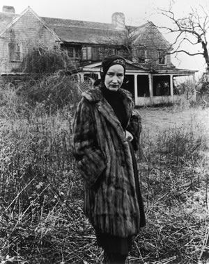 Little-edie-grey-gardens